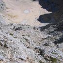 Še ena slika zgornjega dela stene, ki dobro dokumentira krušljivost terena