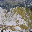 Z vrha Moreža: levo Votli vrh, desno Mali Morež