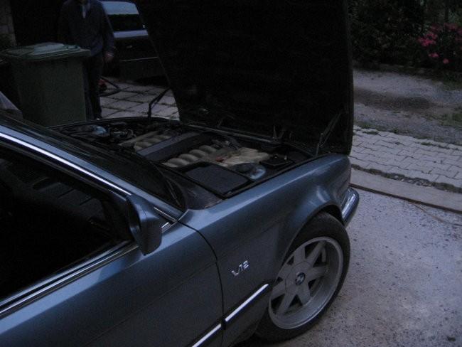 My BMW E32 750iA - foto povečava