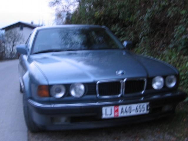 My BMW E32 750iA - foto