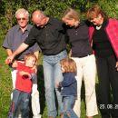 Šoberi: Drago, Dragan z otrokoma Leonardom in Katharino, Draganova žena Karin in Dragova p