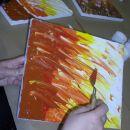 Ko končamo nanos vseh izbranih barv, se lotimo oblikovanja končnega umetniškega vtisa :)