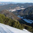 2. dan. Po vnovičnem  obisku Črnega vrha (levi 'greben' nad zasneženo planino) ...