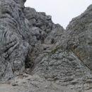 Grapa pristopa na greben...