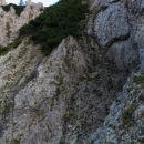 Komaj nazaj! Dol sem se zadrsal bolj na korajžo, gor pa po majavih oprimkih, stopih... kom