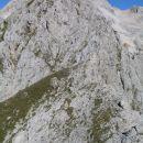 Aljažev stolp ravno nad vrhom... Vernarja.