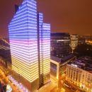 Trg Rogier, nebotičnik ki menja barve