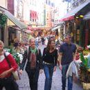 Mesarska ulica z restavracijami (Rue des Bouchers)