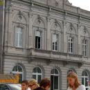 Trg Luxembourg, zadaj nekdanja železniška postaja