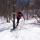 sneg je zelo mehak zato, pridobivanje višine na vse mogoče načine