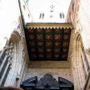 vhod v cerkev (nadstrešek)
