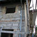 menjava oken na vzhodni fasadi januarja 2004, ko smo tudi začeli s postavitvijo gradbenega