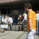the D team: rabimo dva prostovolca/prostovolki