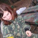 Anja pa je z veseljem še naprej čistila čevlje :)