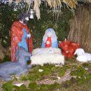 božične jaslice 2006 pred cerkvijo na Žabljeku